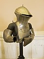 Jousting helmet (14363380834).jpg