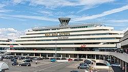 Köln Bonn Airport - Terminal 1-0266.jpg