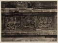 KITLV 40053 - Kassian Céphas - Reliefs on the terrace of the Shiva temple of Prambanan near Yogyakarta - 1889-1890.tif