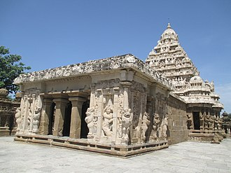 Kanchipuram - Kailasanathar temple, 685-705, the oldest temple in the city
