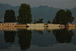 Kashmir houseboats.jpg