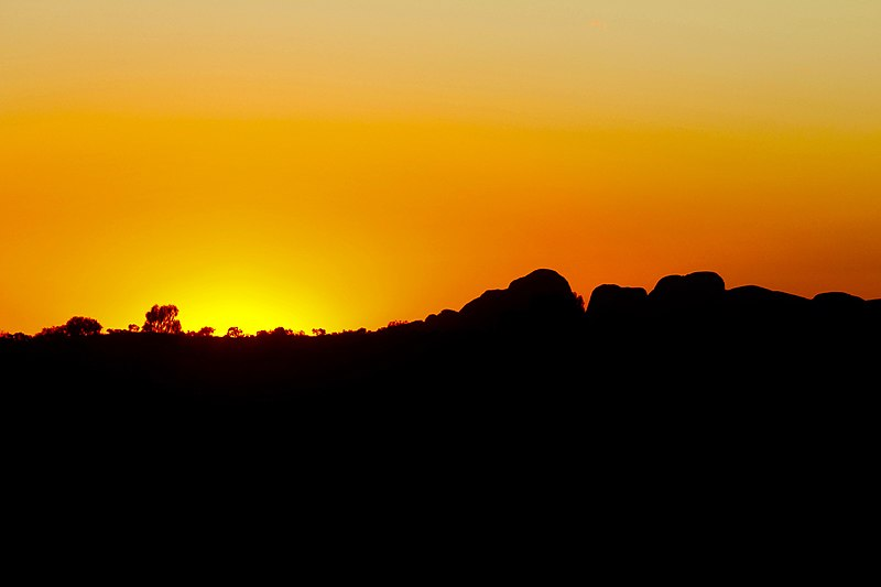 File:Kata Tjuta at sunset.jpg
