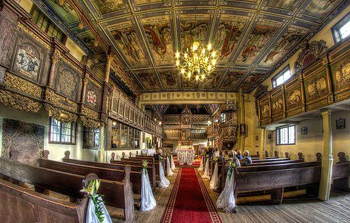 Klępsk - renesansowy kościół z XV-XVI w. widok ogólny wnętrza.