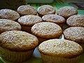 Kokosmuffins mit weißer Schokolade (3899468907).jpg