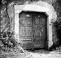 Kolona z vrati pri Škrlanovih, Podbreg 1958.jpg