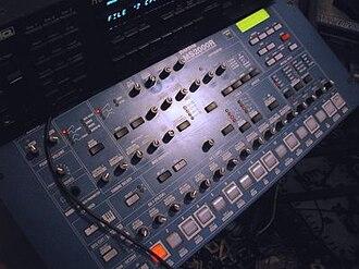 Korg MS2000 - Image: Korg MS2000R