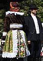 Kroj 3 vdaná žena zezadu.jpg