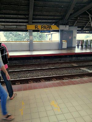 R. Papa LRT station - Ramon Papa station