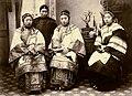 Lai Afong Upper class Chinese women c1880.jpg