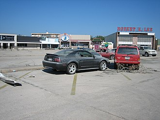 Lakeshore/Lake Vista, New Orleans - The Robert E. Lee strip mall at the edge of Lakeshore was flooded by the Hurricane Katrina-induced levee failures