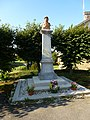 Lametz (Ardennes) monument aux morts.JPG