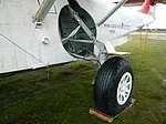 Landing gear (2349962292).jpg