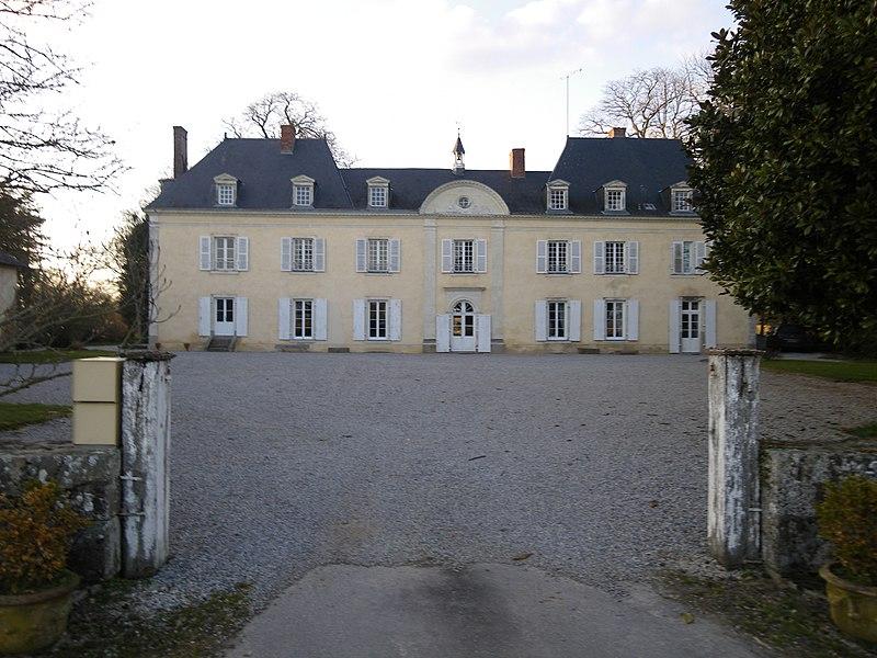 Laubrieres , chateau
