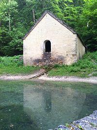 Lavoir et Fontaine des Essarts 05.JPG