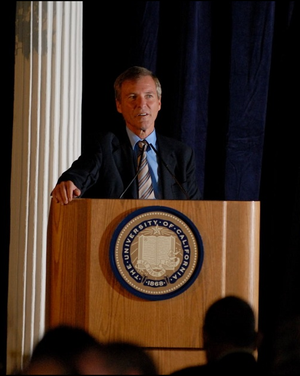Leigh Steinberg - Steinberg speaking at UC Berkeley
