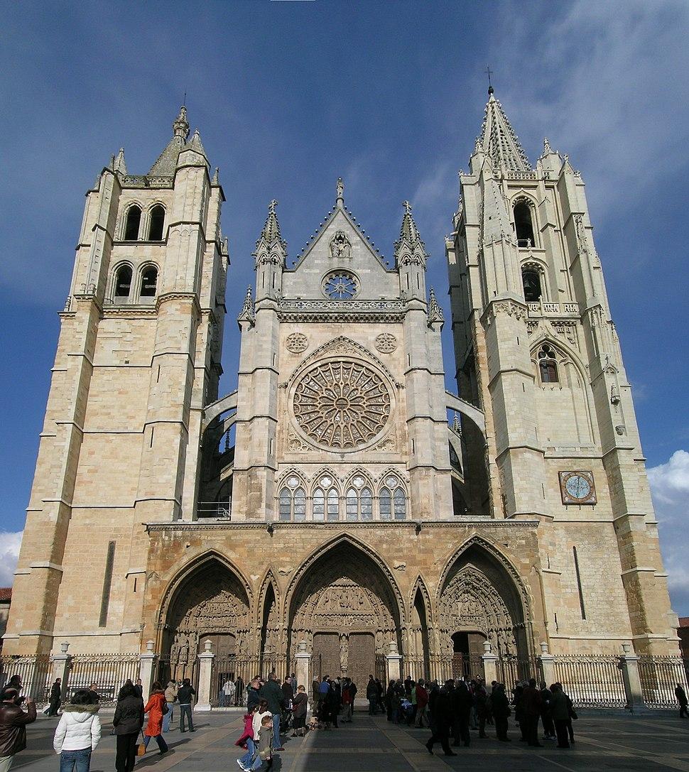 Leon cathedral facade