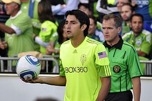 Leonardo Gonzalez Sounders throw in.jpg