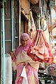 Life in Srinagar's market (9696923983).jpg