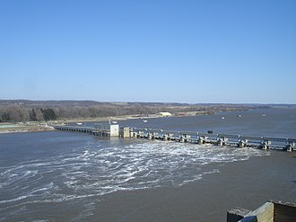 Illinois Waterway - The Illinois Waterway at Starved Rock Lock and Dam