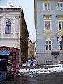 Lomnice nad Popelkou, Hálkova, z Husova náměstí.jpg