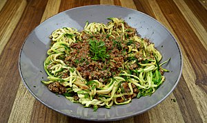 Low-Carb Zoodles with Bolognese (Zoodles)