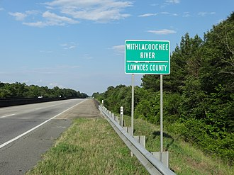 Withlacoochee River (Suwannee River) - Image: Lowndes County line, US84EB