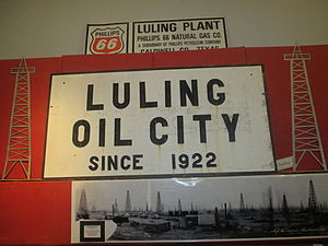 Luling, Texas - The Luling Oil Museum, based on the 1922 petroleum discovery, is housed in the Chamber of Commerce office.