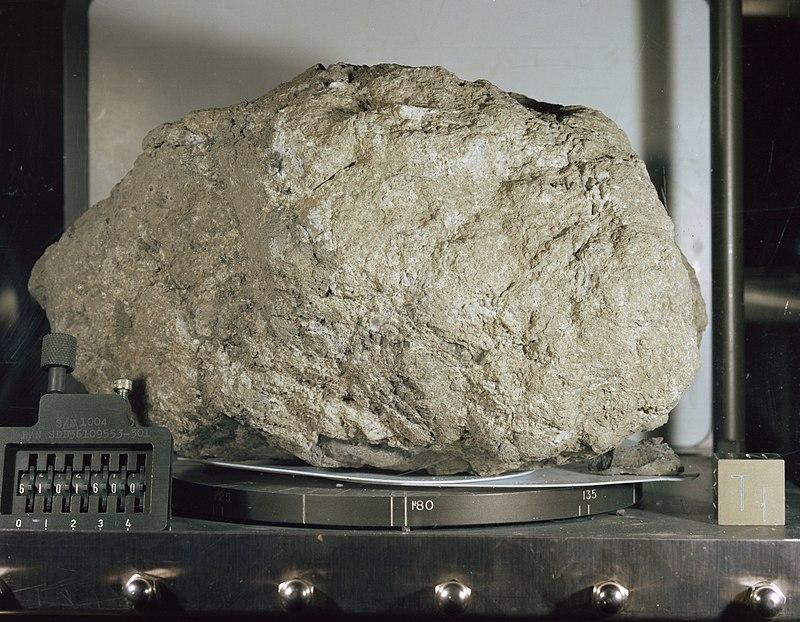 Lunar Sample 61016 - Big Muley.jpg