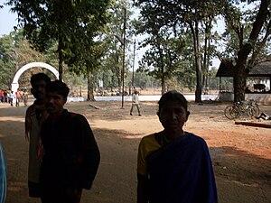 Madia Gond - A Madia Gond family on the grounds of Lok Biradari Prakalp
