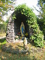 Madonna im Hinterhof des St. Rochuskrankenhauses.jpg