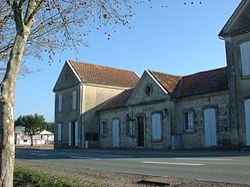 Mairie de Bourran, façade avant.jpg