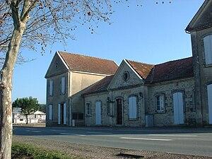 Bourran - The town hall in Bourran