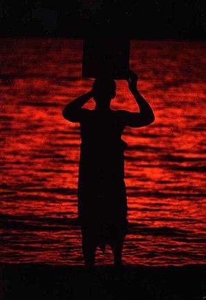 Porteur d'eau, lac Malawi