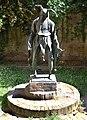Mantova-Scultura a Rigoletto.jpg
