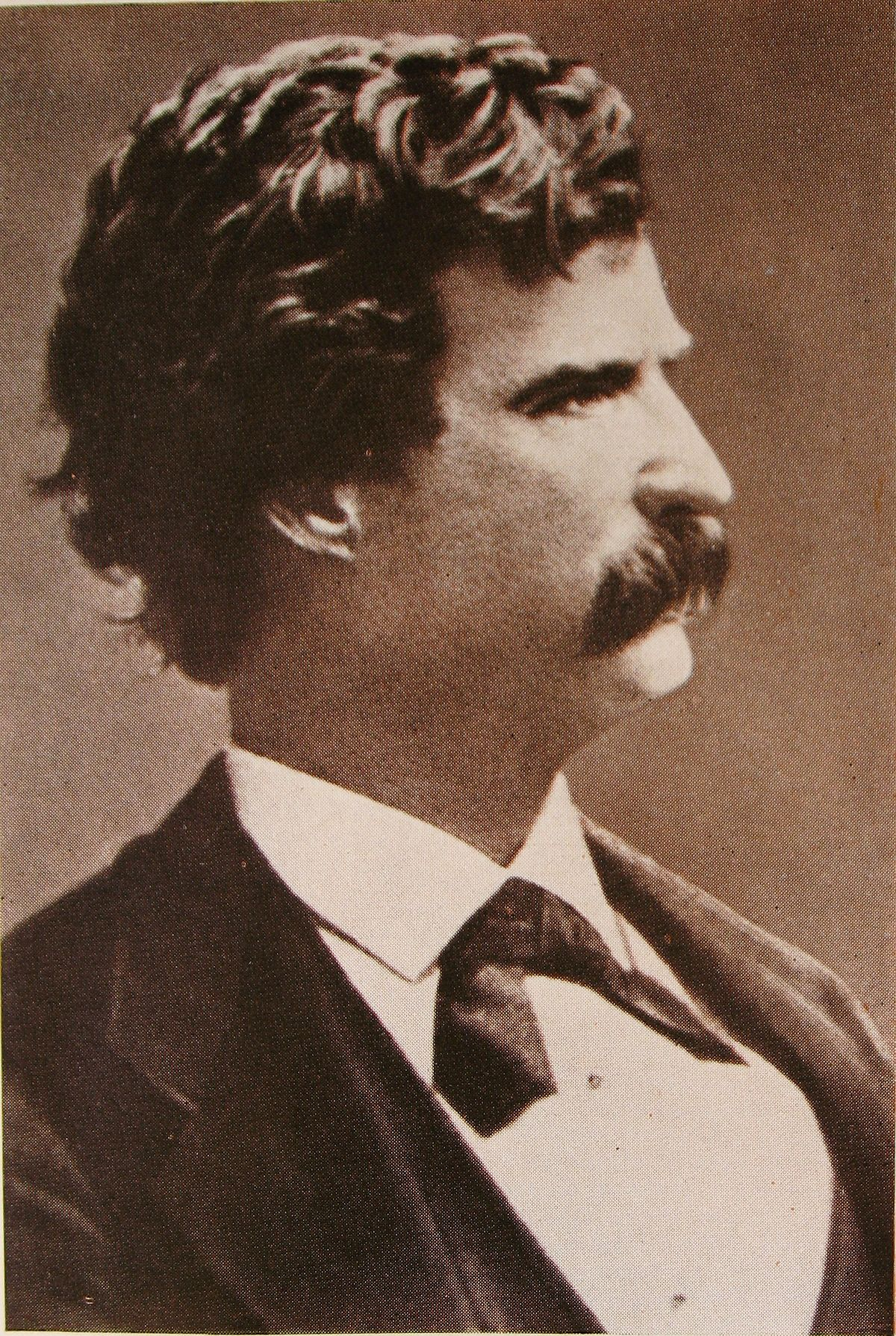 File:Mark Twain young.JPG - Wikimedia Commons