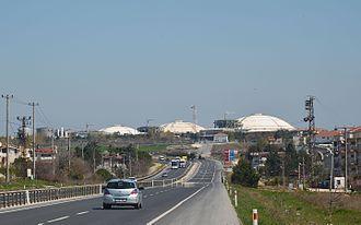 Marmara Ereğlisi LNG Storage Facility - Marmara Ereğlisi LNG Storage Facility's tanks seen from the state highway D-110.