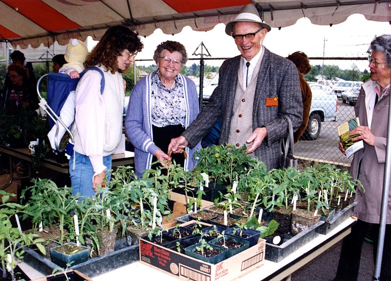 File:Master Gardeners plant sale, April 1998 (5763219291).jpg