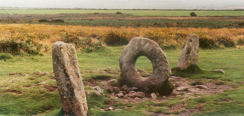 File:Men-an-tol.jpg