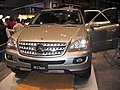 Mercedes M-Class at a carshow in Chicago 2005.jpg