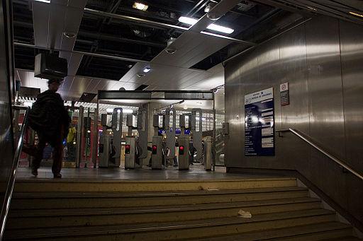 Metro L1 Grande-Arche IMG 5574
