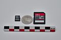 Micro SDCard, SDCard and 1 CHF coin with size 2.jpg