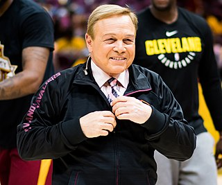 Mike Fratello American basketball coach, sports broadcaster
