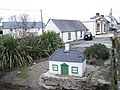 Miniature cottage - geograph.org.uk - 631621.jpg