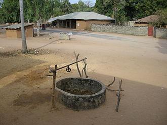 Mlomp - Mlomp village and well