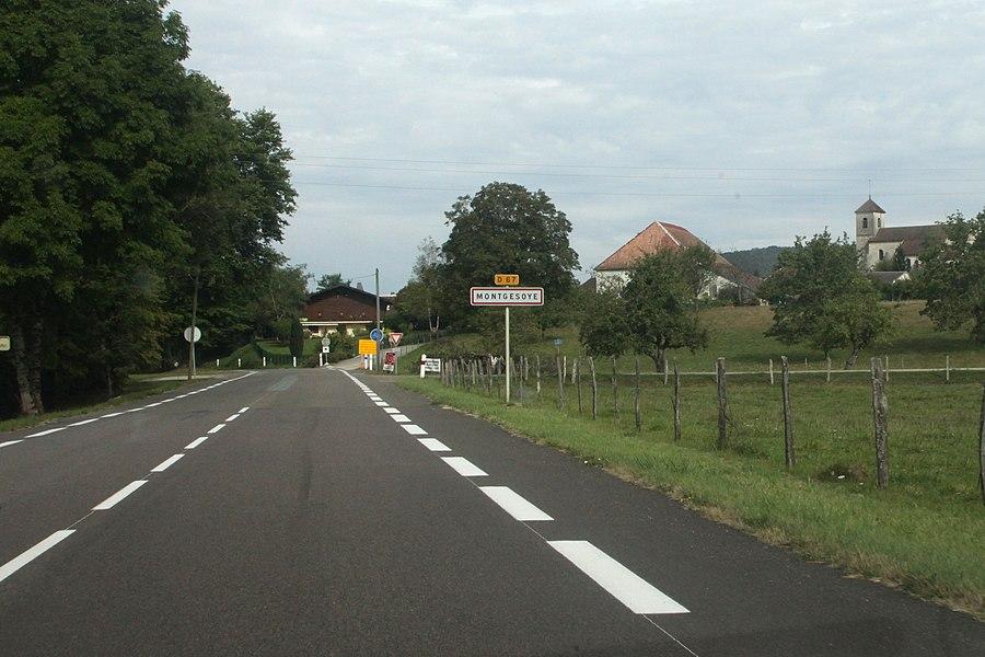 Entrée de Montgesoye (Doubs).