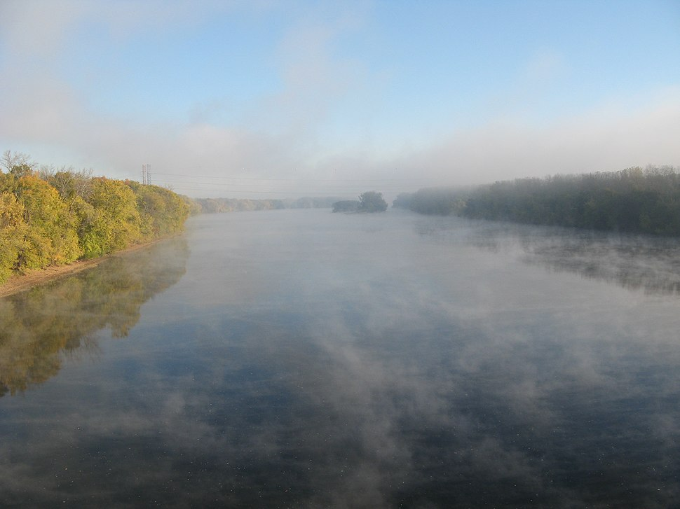 Morning mist on the Connecticut River from the Bissell Bridge by Elias Friedman (elipongo)