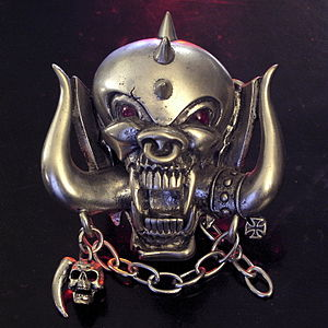 Die-cast belt buckle depicting Snaggletooth, m...