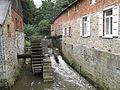 Moulin seigneurial avec sa roue.jpg