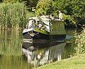 Narrowboat by Thatcham Station (4737888263).jpg