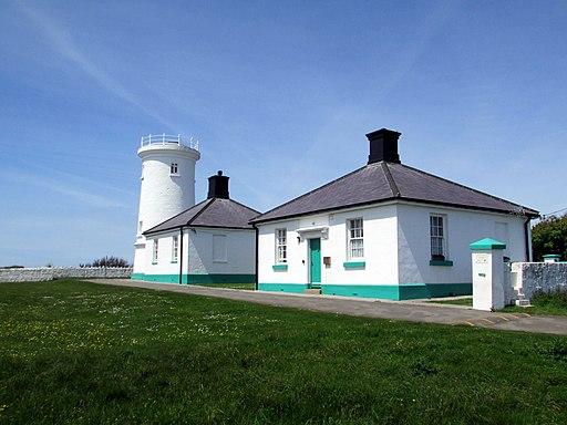 Nash Point Lighthouse (18504109403)
